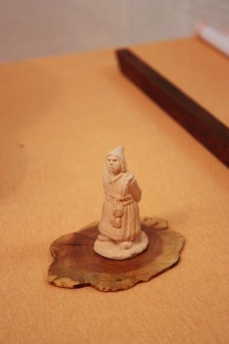 Bonsai Estatuilla de una mujer - Assoc. Bonsai Muro